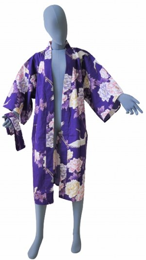 Photo2: One size fits all / Ladies' Japanese Robe -botan tsuru- Purple, Cotton, 42in - SPECIAL DISCOUNT